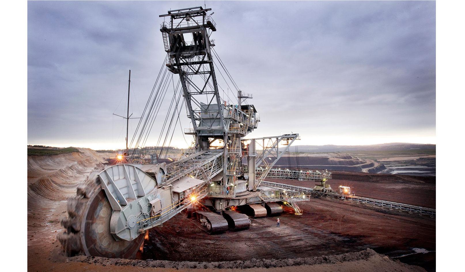 <div>Industrial</div><div> <a href='https://www.nedmeldrum.com.au/project/yallourn-power-station/'>View Series</a></div>